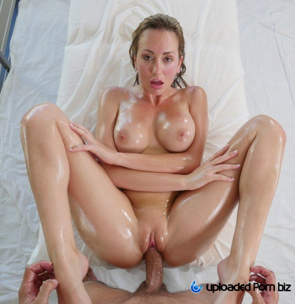 Brett Rossi Wet Oil Mssage Wife SD
