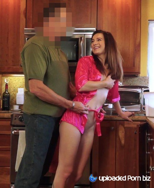 Avery Moon StepFather Want Fuck Slender StepDaughter SD 540p