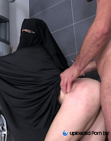 Valentina Ross Sex In Hijab FullHD 1080p