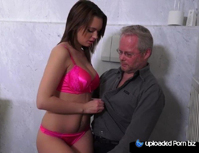 Emily Thorne Old Man Fucked Hot Babe SD 540p